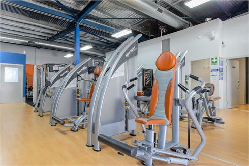 Plus Fitness 24/7 Carlingford front photo