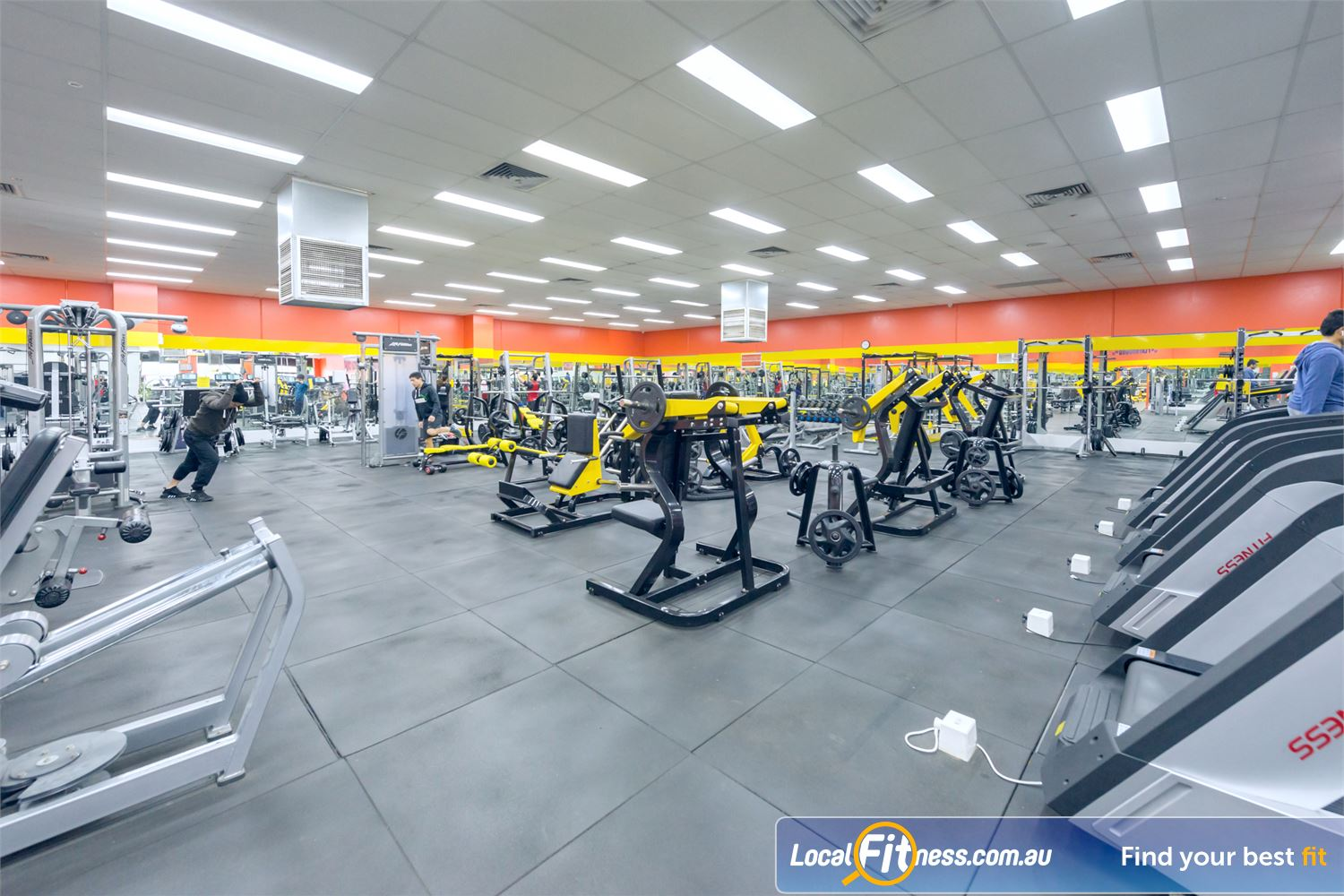24/7 Express Gym front photo