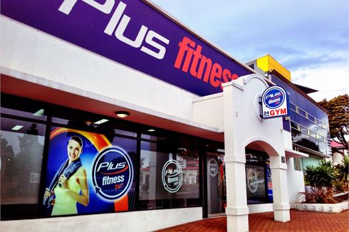 Plus Fitness 24/7 front photo