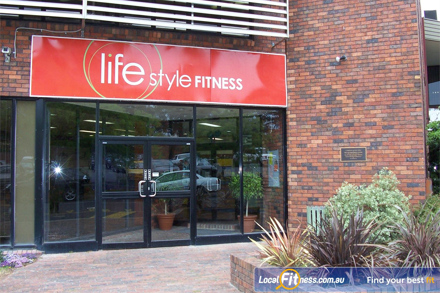 Lifestyle Fitness front photo