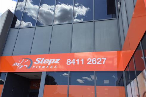 Stepz Fitness 24/7 front photo
