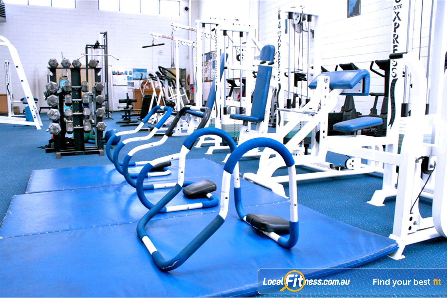 Leading Edge Health & Fitness Glen Waverley Dedicated stretching and ab training area.