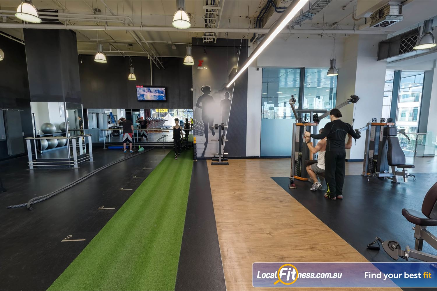 Fitness First Platinum Market St. Sydney Multiple freestyle training area at Fitness First Sydney gym.