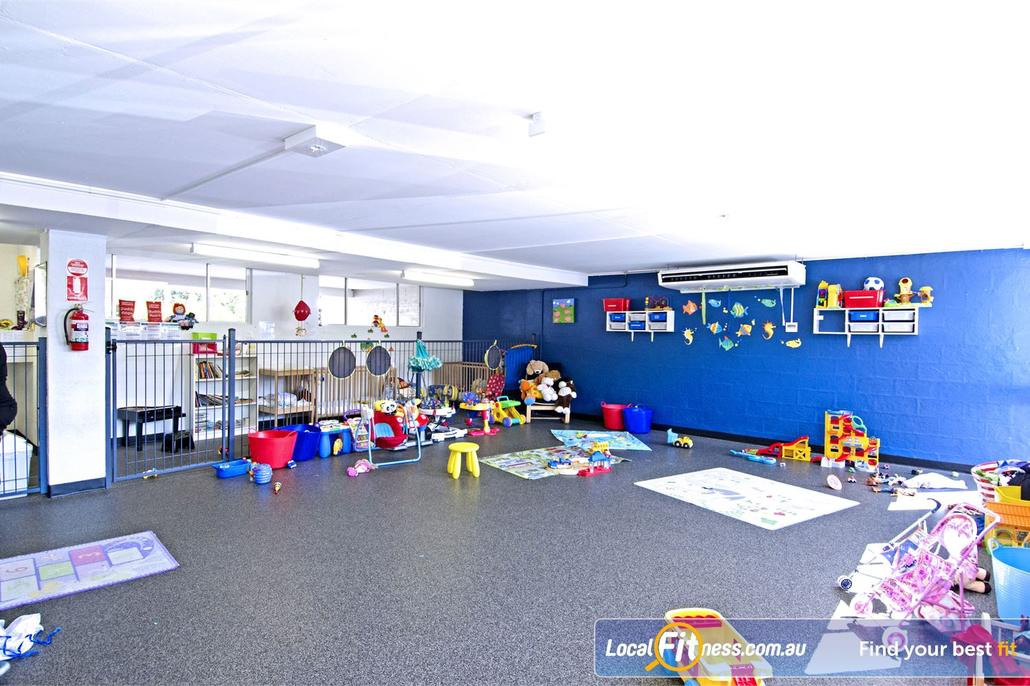 Goodlife Health Clubs Graceville Goodlife Graceville provides on-site child minding services.
