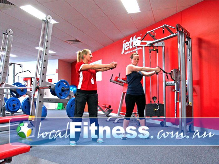 Jetts Fitness Near Ascot Vale Flemington personal trainers will tailor a strength program to suit you.
