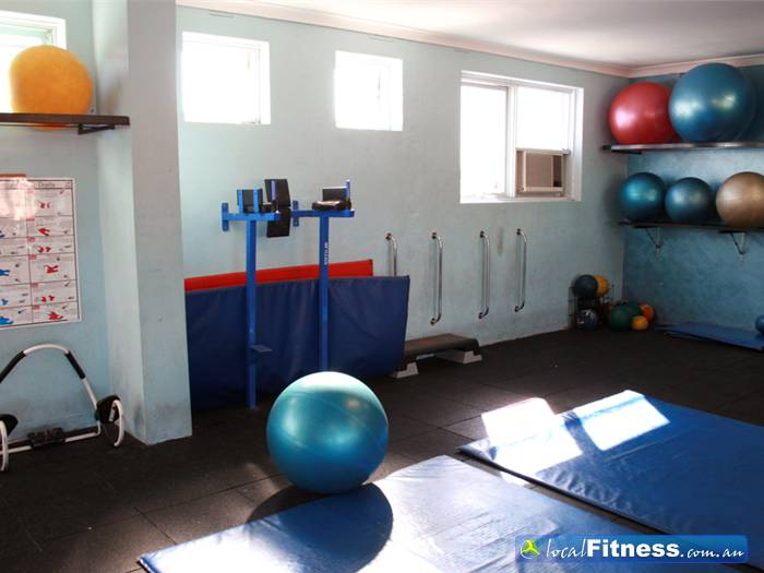 Body World Balaclava We have everything for your abs, from dip racks, medicine balls, fitballs, soft mats and more.
