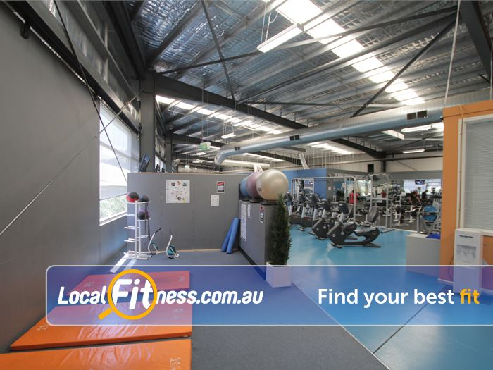 Rising Up Fitness Narre Warren The spacious stretching and abs area at Rising Up Fitness.
