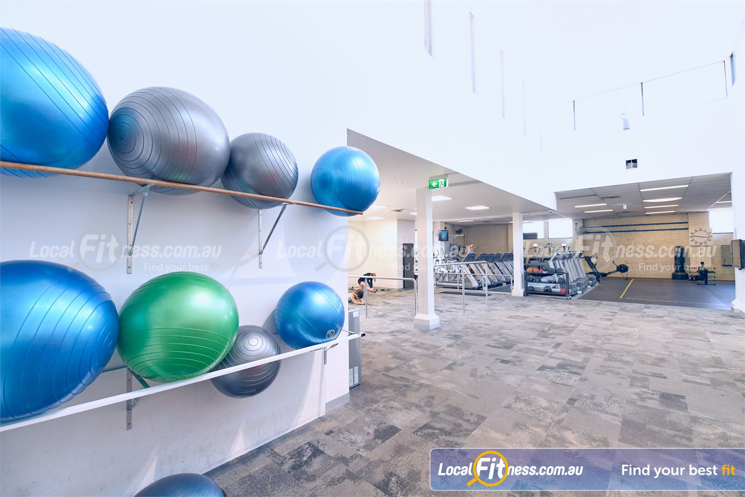 Goodlife Health Clubs Near Ashburton Fully equipped ab and stretching area.