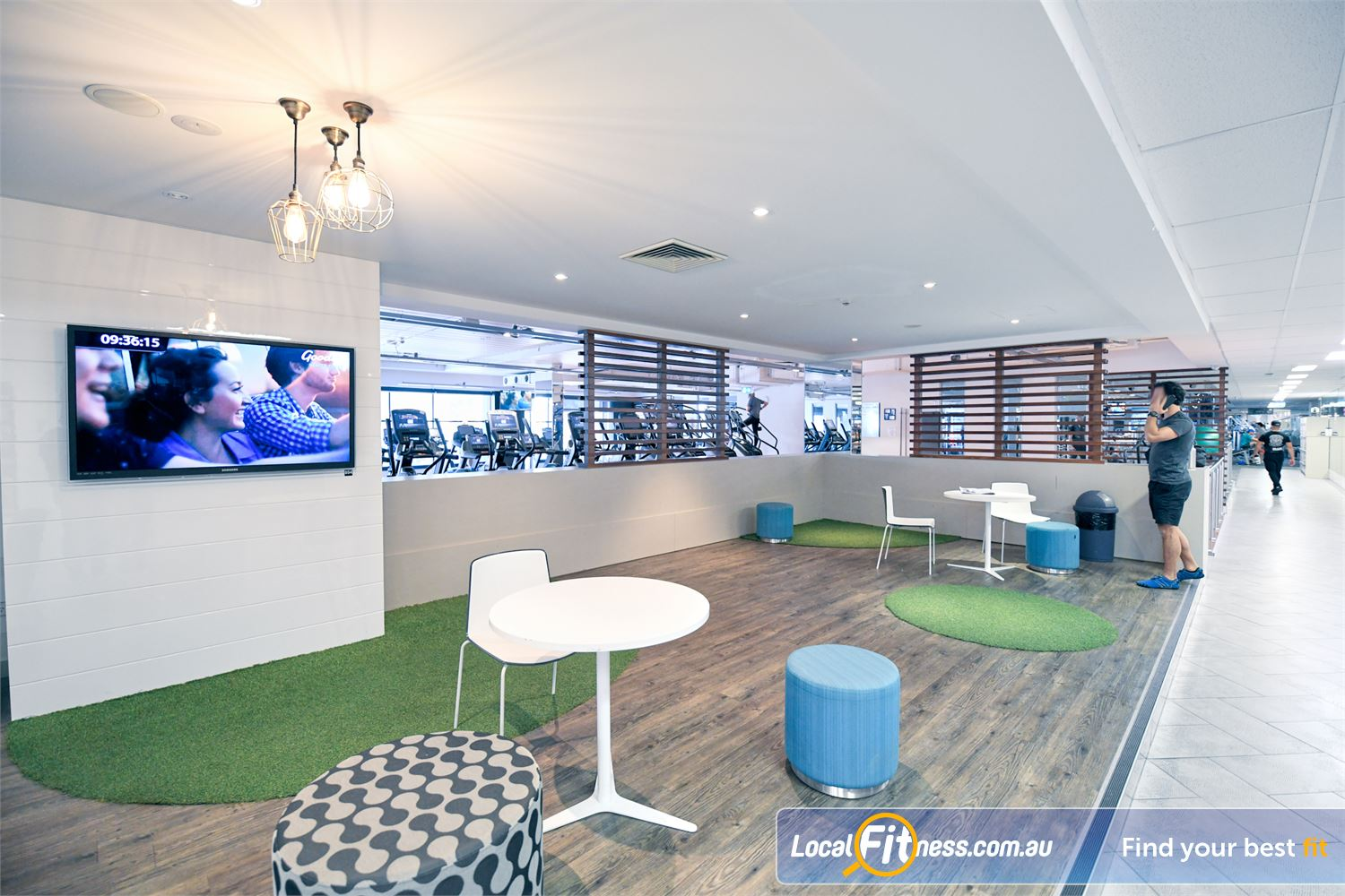 Goodlife Health Clubs Near Richmond North The spacious and relaxing members lounge.