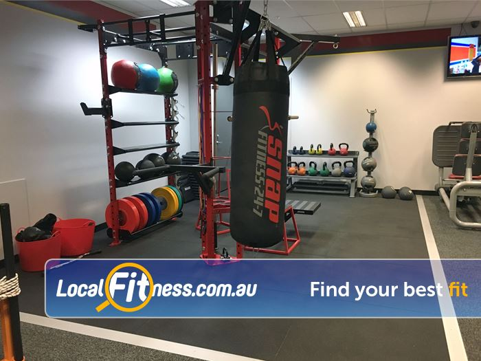 Snap Fitness Spearwood Spacious ab and strech area.