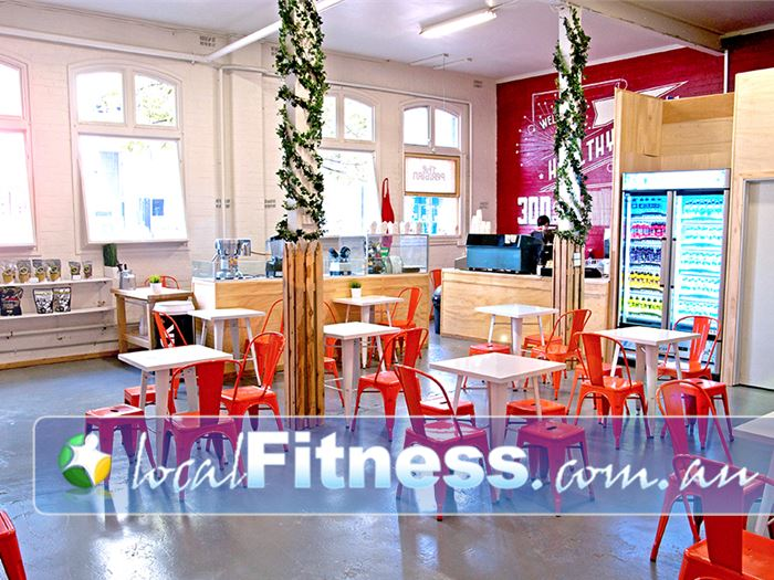 Ultimate You Fitness Near South Melbourne The Parisian Cafe offering a range of healthy organic coffee, juices and snacks.