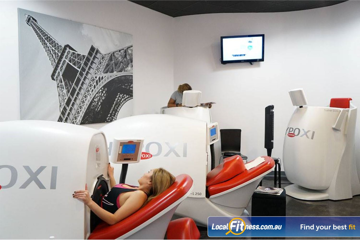 HYPOXI Weight Loss Madeley The average client loses 26cm in the first 4 weeks at HYPOXI Kingsway.