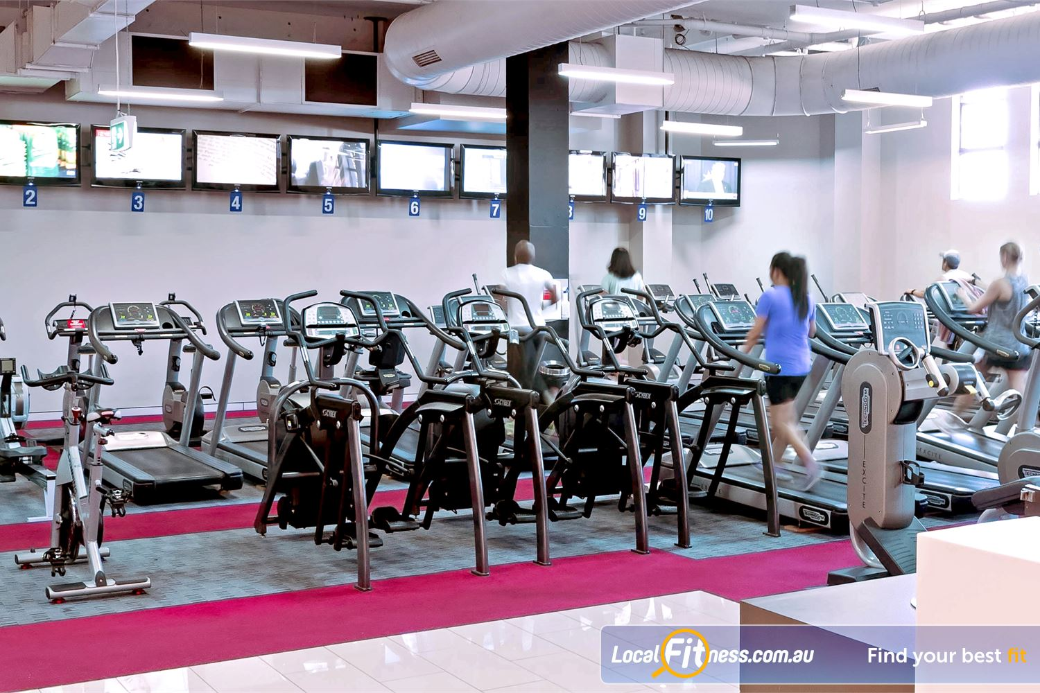 Fitness First Newtown Rows of state of the art treadmills, arc-trainers and rowers.
