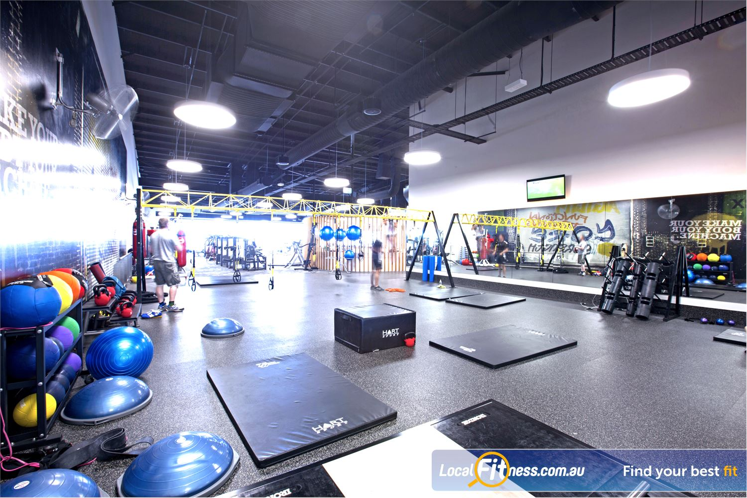 Goodlife Health Clubs Maroochydore Fully equipped and dedicated stretch and abs area.