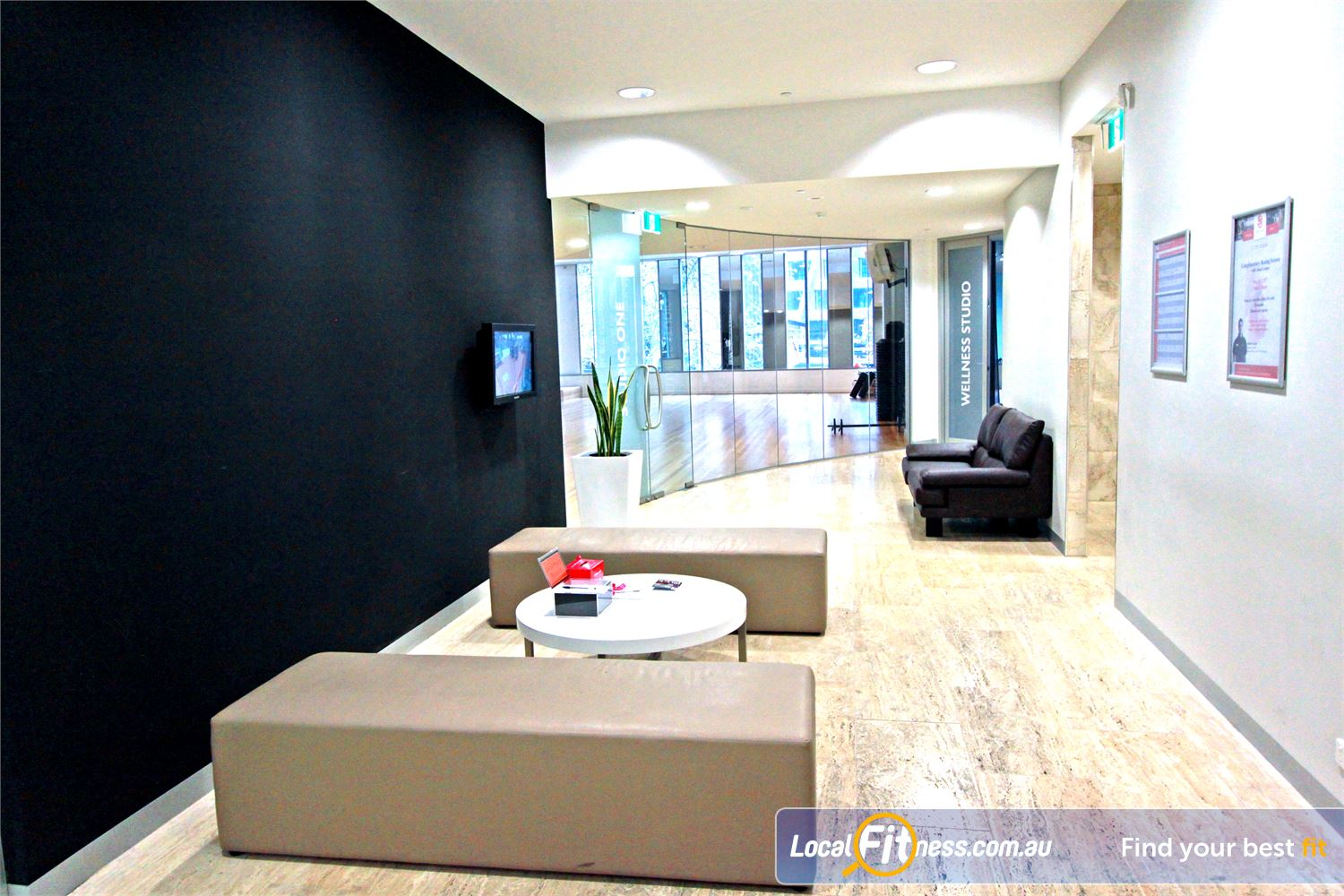 South Pacific Health Clubs Melbourne The stylish and comfortable members lounge.