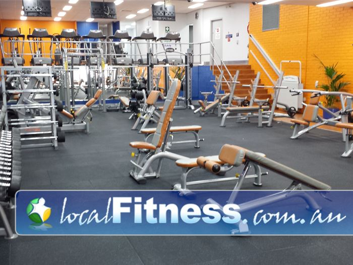 Plus fitness 24 7 free weights area maroubra heavy duty for Fitness 24 7 mobilia