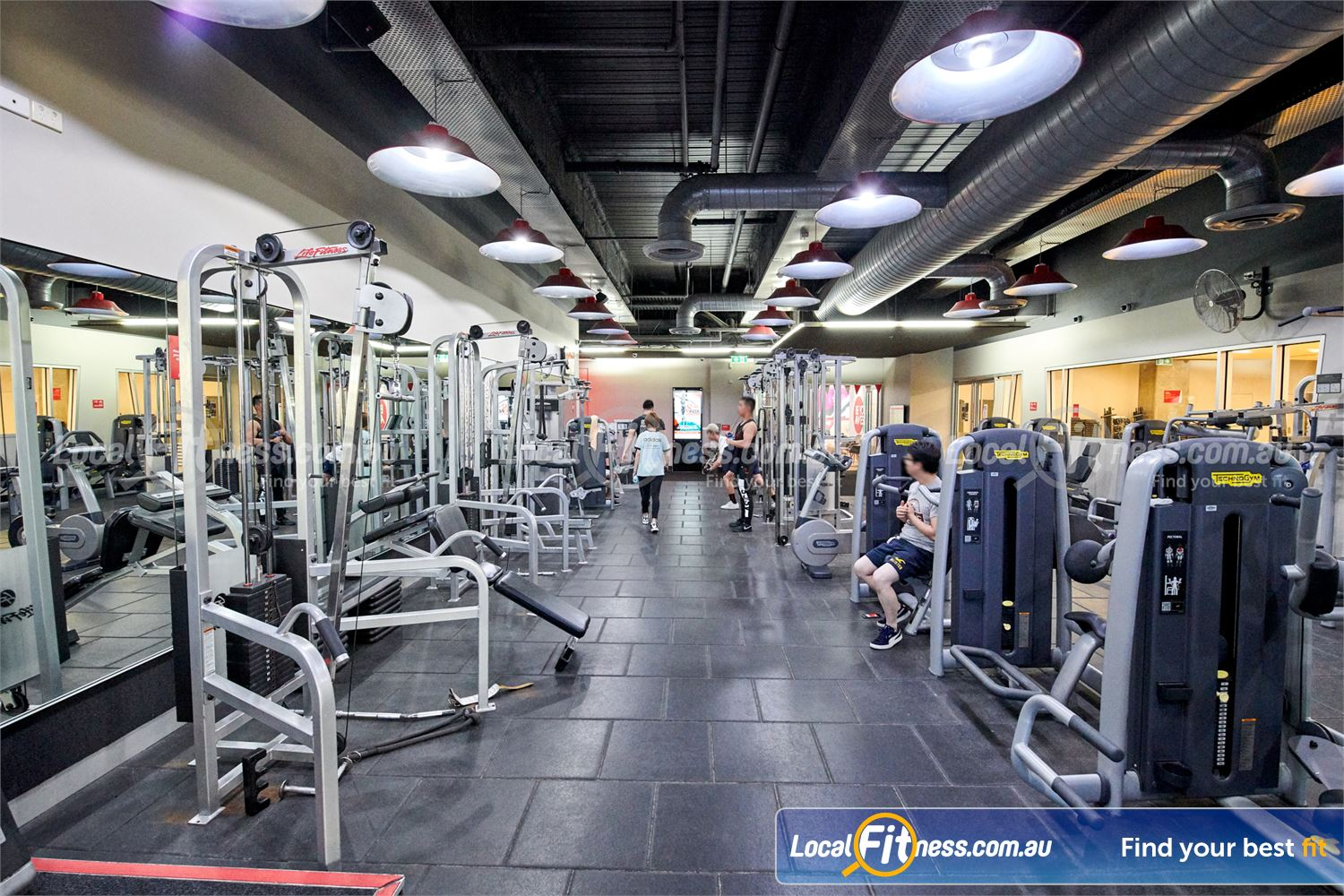 Fitness First QV Platinum Melbourne Easy to use Technogym and Life Fitness pin-loading machines.