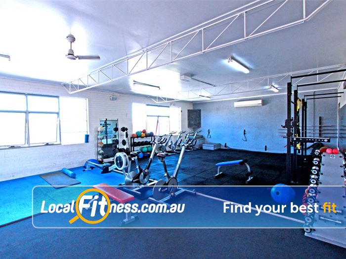 Caulfield Recreation Centre Near Glen Huntly Vary your cardio with rowers and cycle bikes.