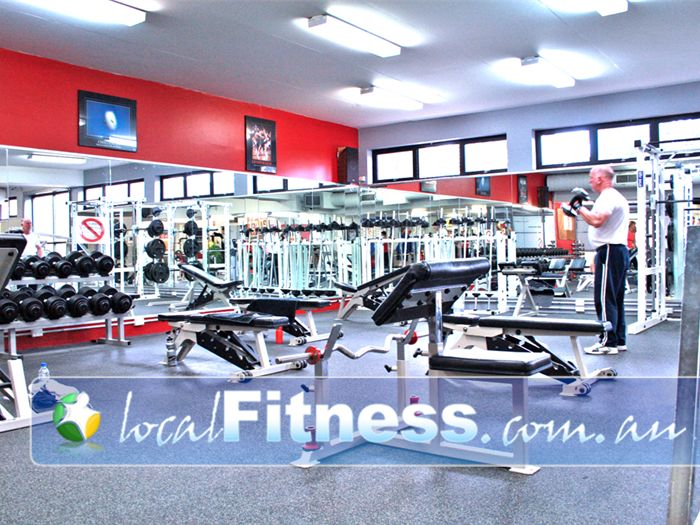 Aquahub Gym Sherbrooke  | Our free-weights area is spacious giving everyone enough