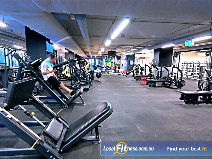 Fitness First Elizabeth St Gym Bardon  | Our Brisbane gym is fully equipped for strength