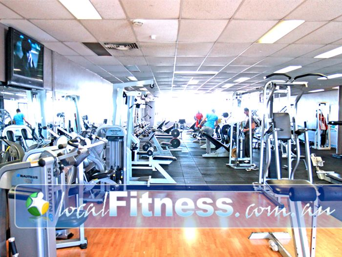 HealthClub 101 Gym Airport West  | The mixed St Albans gym area is now