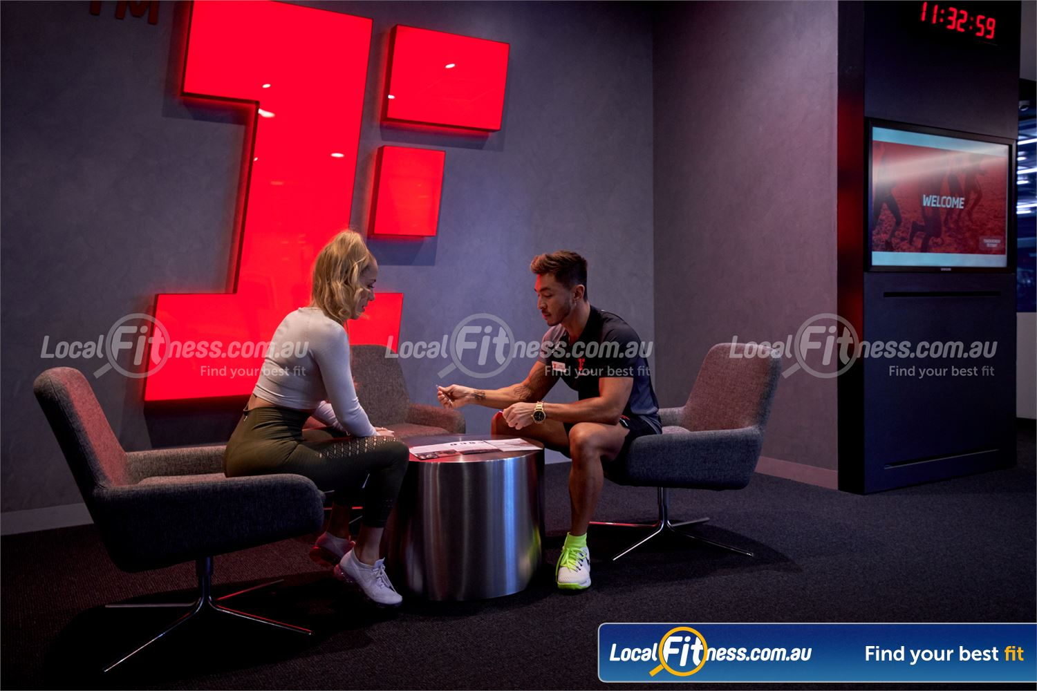Fitness First Macquarie Ryde Exclusive members lounge with technology bar and FREE WiFI.