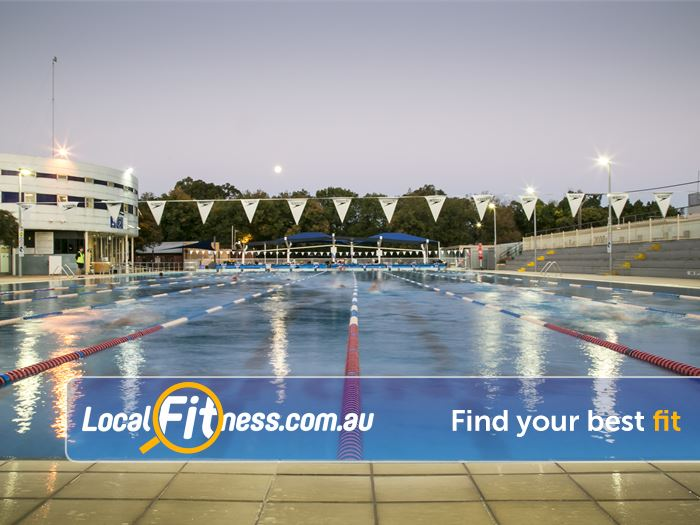 Fitzroy Swimming Pool - Yarra Leisure Swimming Pool Melbourne  | Enjoy the beautiful night skyline at the Fitzroy