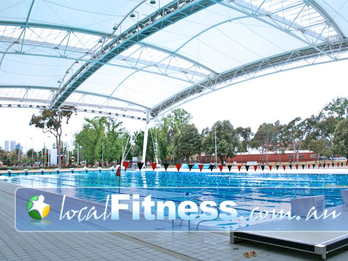 Melbourne sports aquatic centre outdoor pool albert park the commonwealth games outdoor for Outdoor swimming pools melbourne