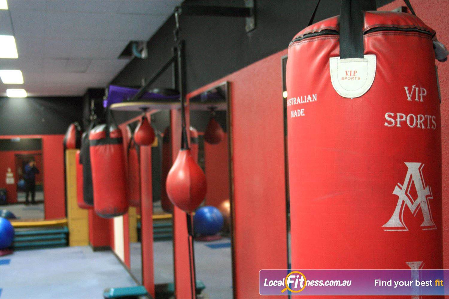 Docklands Gym & Squash Centre Near Southbank Try one of our Docklands boxing classes.